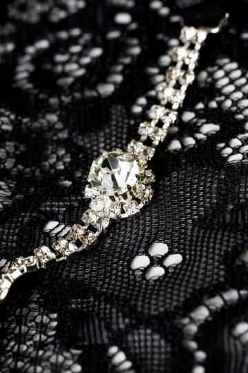 Трусики-стринги со стразами и кристаллом на поясе Amber